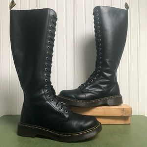 Dr Martens 20 Eyelet WITH A ZIPPER YOU GUYS